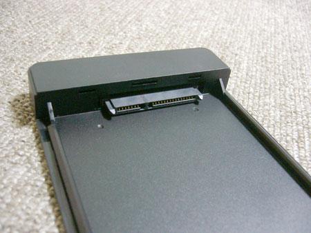 HDD/SSD 差込口