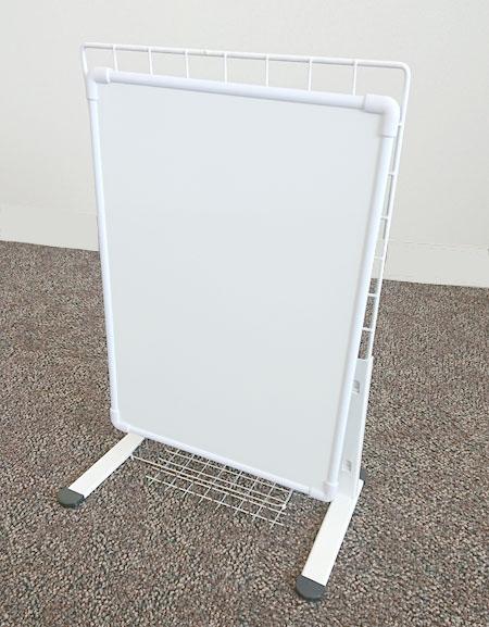 自立型ホワイトボードの外観