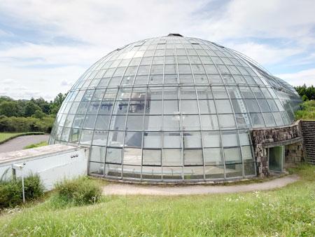 グラスハウスの外観